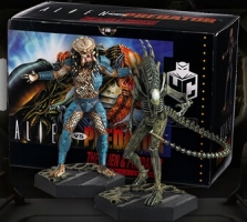 2 Figurines Alien VS Predator (16-20cm) - EagleMoss boite collector retro